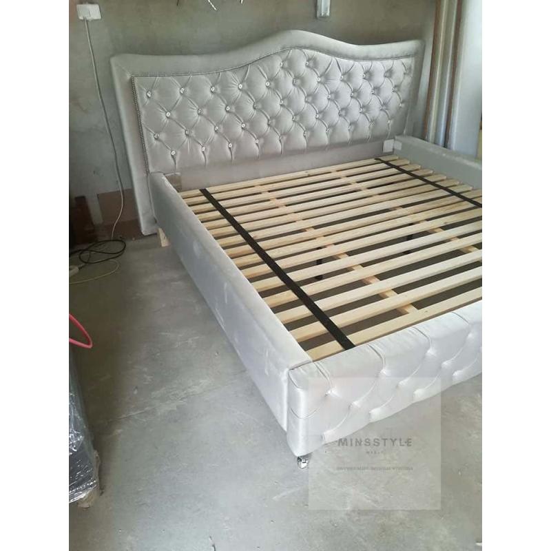łóżko Tapicerowane Na Zamówienie Meble Na Zamówienie